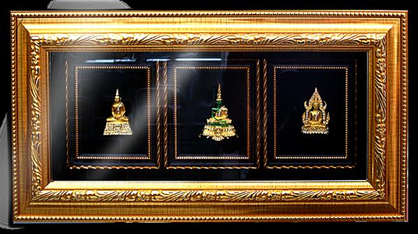 กรอบรูปหลุยส์ผ้าไหมลายไทยลายองค์พระพุทธรูปเหมาะสำหรับเป็นของที่ระลึก ของชำร่วย และเป็นของใช้สำหรับตกแต่งบ้าน