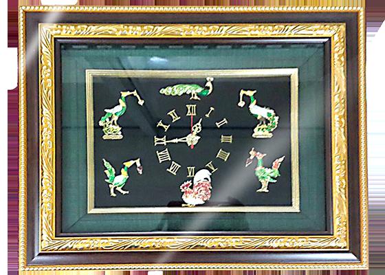 กรอบรูปหลุยส์ผ้าไหมลายไทยนาฬิกาเข็มกลัดลายสัตว์ในวรรณคดีเหมาะสำหรับเป็นของที่ระลึก ของชำร่วย และเป็นของใช้สำหรับตกแต่งบ้าน