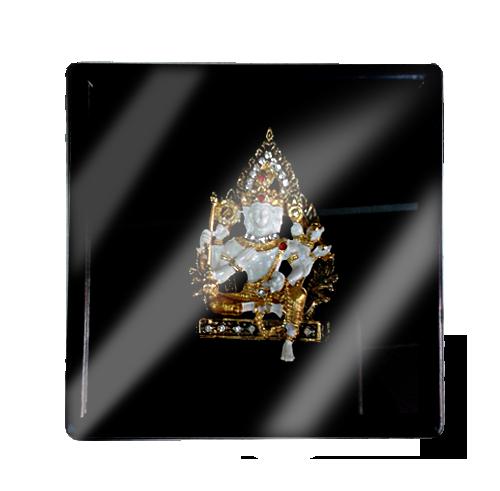 เข็มกลัดลายไทยลายพระวิษณุเหมาะสำหรับเป็นของที่ระลึก ของฝาก และของชำร่วยในงานพิธีต่าง ๆ