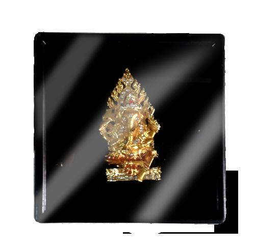 เข็มกลัดลายไทยลายพระพิฆเนศเหมาะสำหรับเป็นของที่ระลึก ของฝาก และของชำร่วยในงานพิธีต่าง ๆ