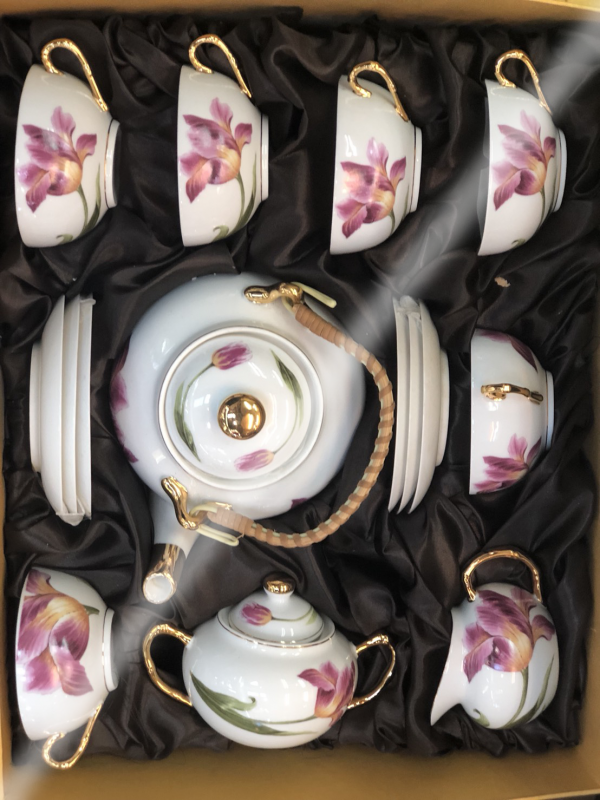 ชุดน้ำชาเซรามิคจากประเทศจีน 14