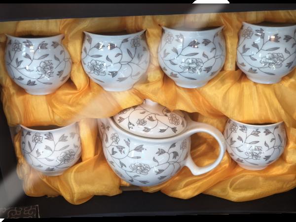 ชุดน้ำชาเซรามิคจากประเทศจีน 2